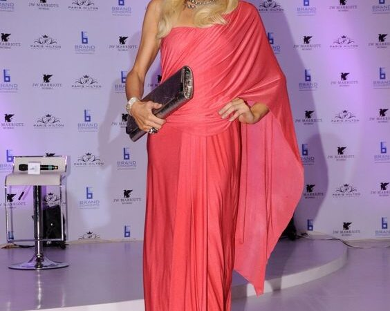5 Hollywood Celebrities Who Totally Rocked In Bollywood Sarees